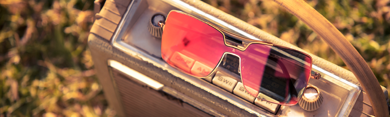banner-sunglasses
